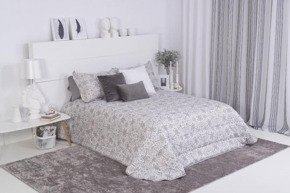 365296859c8 ¿Cojines decorativos en la cama, sí o no? | Magazine | Bertha Hogar